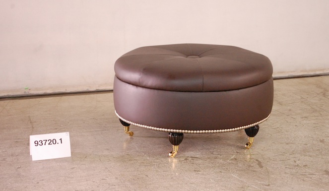 Round ottoman removable top