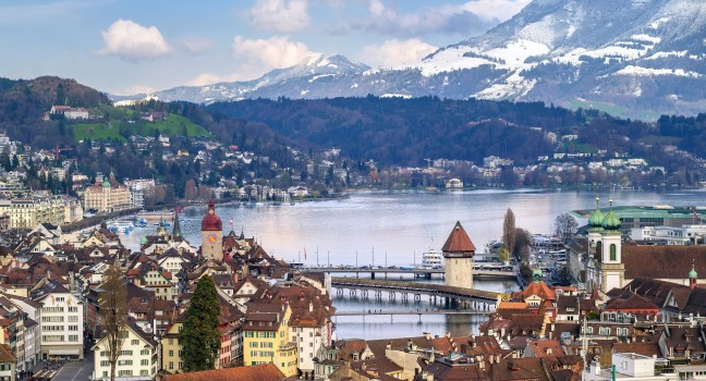 cityscape-lake-lucerne-lucerne-switzerland_main.jpg